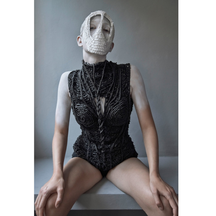 model: marie louwes @marie.louwes c/o @megamodelagency mask + body by lara packheiser @larapackheiser styling by irina skladkowski @skladkowski foto by thomas rusch @thomasrusch #20mask20